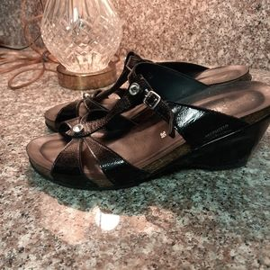 Black Mephisto sandals size 39 euro